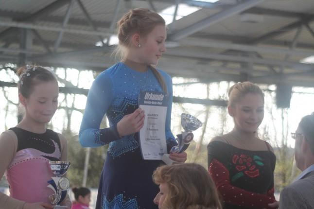 ESV Halle Eiskunstlauf Siegerehrung Marietta Marik Pokal