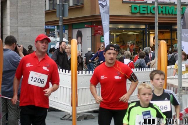 Sponsor Frank Segebarth (Globus) und Vorstand Saltan Gindulin voll dabei
