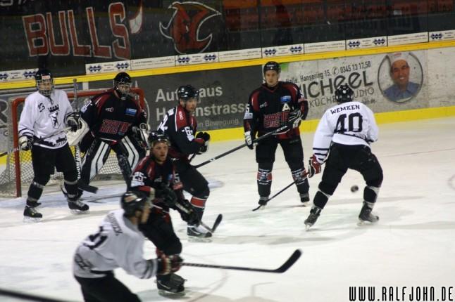Saale Bulls gegen Schlittschuh-Club - Torszene