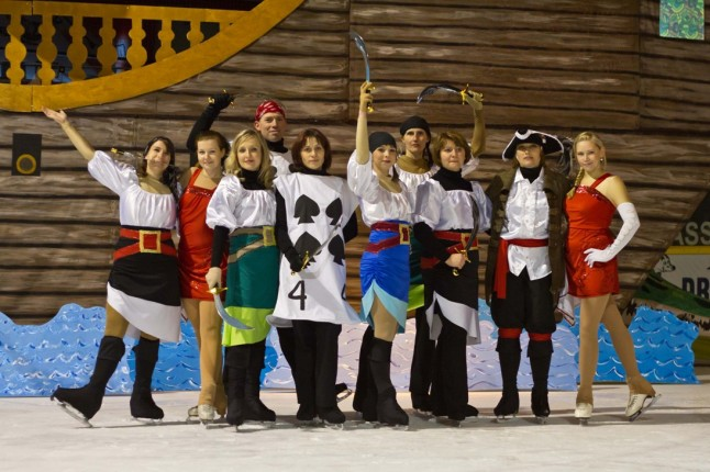 Eismärchen 2012 Peter Pan - Captain Hook & Crew