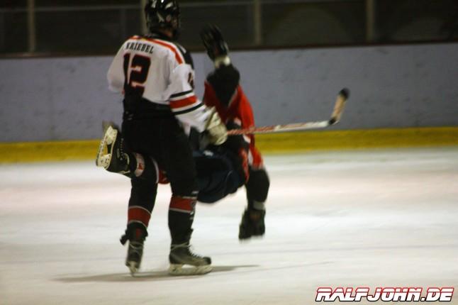 FASS Berlin 1b- Saale Bulls 1B - Kriebels Hit