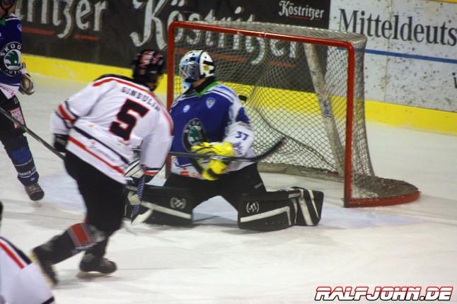 Saale Bulls 1b - Dresdner Eislöwen 1b -Geburtstagstor Gindulin