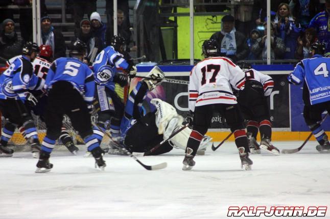Leipziger Eissport-Club - Saale Bulls 1B - Spannende Szenen im Minutentakt