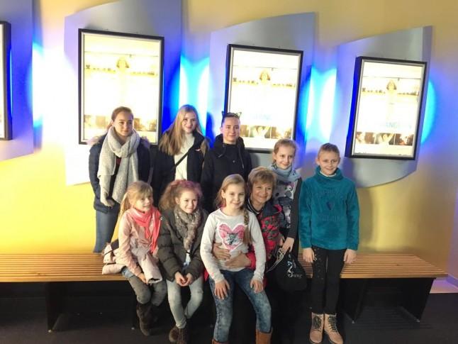 Kinobesuch der Eiskunstläuferinnen des ESV