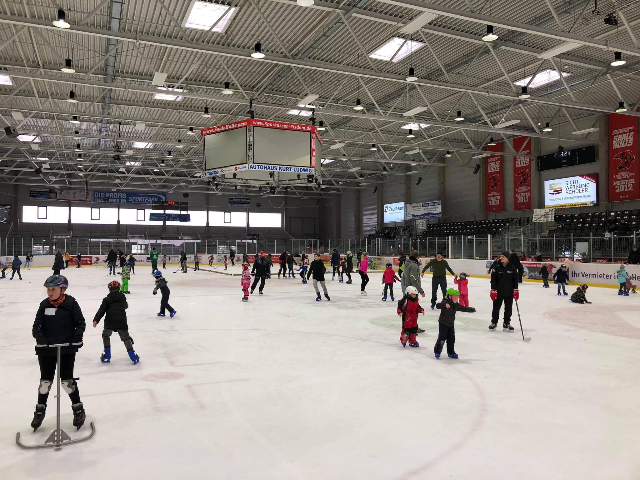 Grosser Andrang beim Kids on Ice Day