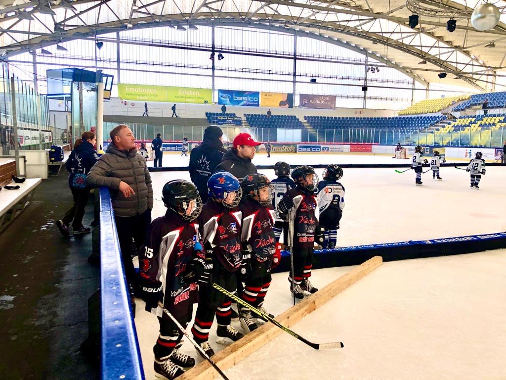 Körperbetontes Eishockey in der U9